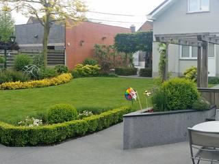 Jardin avec coin repas de 400M² RVB PAYSAGE Jardin moderne Pierre