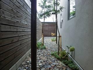 House in Matsugasaki モダンな 家 の Mimasis Design/ミメイシス デザイン モダン