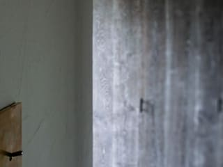 Mimasis Design/ミメイシス デザイン Modern walls & floors Grey