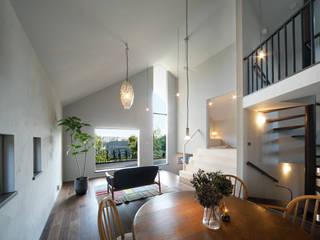 House in Kunimidai モダンデザインの リビング の Mimasis Design/ミメイシス デザイン モダン