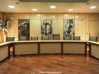 salle du conseil 1: Bureaux de style  par ALG CONSEILS