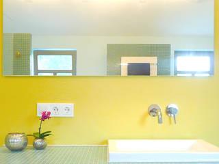Detail Waschtisch : moderne Badezimmer von Junghanns + Müller Architekten