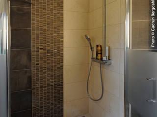 SDB élégante en marbre Salle de bain moderne par ALG CONSEILS Moderne