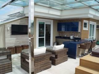 Catharina Quadros Arquitetura e Interiores Modern Terrace