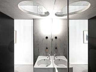 Casa do Conto Arts & Residence:   por JRBOTAS Design & Home Concept