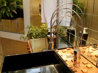 Casas de banho  por Estúdio Pantarolli Miranda - Arquitetura, Design e Arte