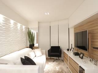 غرفة المعيشة تنفيذ Estúdio Pantarolli Miranda - Arquitetura, Design e Arte