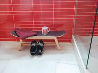 Excellent Modern Shower Stool For Your Bathroom Design with skateboard deck. skate-home HogarAccesorios y decoración