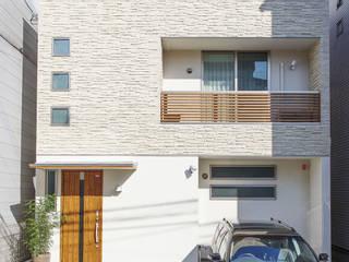 広いバルコニーのある家: 福島工務店株式会社が手掛けた家です。