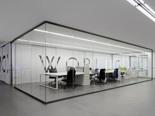 REMODELAÇÃO DE LOJA : Escritórios  por Moura Martins Arquitectos,Minimalista