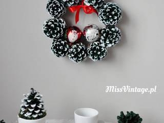 Stroik wianek świąteczny z szyszek od Miss Vintage Rustykalny