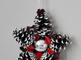 Świąteczny wieniec gwiazdka z szyszek od Miss Vintage Rustykalny