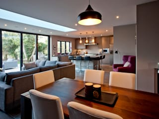 Teddington Kitchen Extension Salas de jantar modernas por A1 Lofts and Extensions Moderno