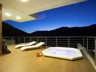 LimaRamos & Arquitetos Associados Modern balcony, veranda & terrace