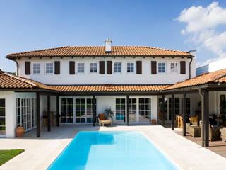 Mediterranean style house by WUNSCHHAUS Mediterranean