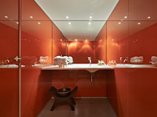 minimalistic Bathroom by Piratininga Arquitetos Associados