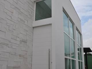 Inspiração Modernista I Casas modernas por Libório Gândara Ateliê de Arquitetura Moderno