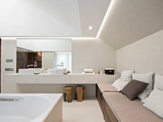Термы: Ванные комнаты в . Автор – BUROWHITE