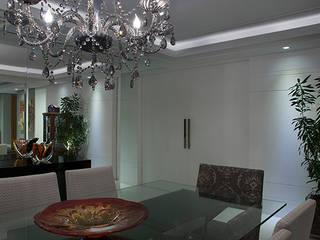 Столовые комнаты в . Автор – Angela Ognibeni Arquitetura e Interiores, Модерн