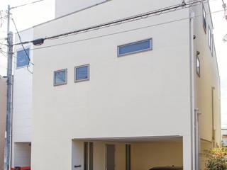 リビングとテラスがつながる家: 福島工務店株式会社が手掛けた家です。