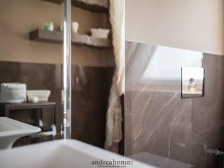 Salle de bain moderne par Andrea Bonini luxury interior & design studio Moderne