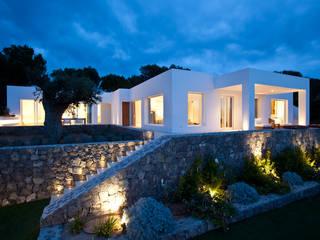 Projekty,  Domy zaprojektowane przez ANTONIO HUERTA ARQUITECTOS