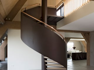 EeStairs® Spiral staircases EeStairs | Stairs and balustrades Industrial corridor, hallway & stairs Metal