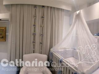 Classic style nursery/kids room by Catharina Quadros Arquitetura e Interiores Classic