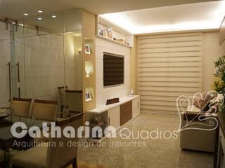 Catharina Quadros Arquitetura e Interiores Modern Living Room