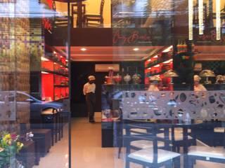 Moderne Gastronomie von Catharina Quadros Arquitetura e Interiores Modern