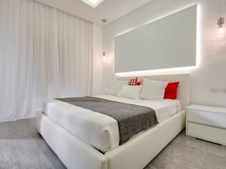 Modern style bedroom by SERENA ROMANO' ARCHITETTO Modern