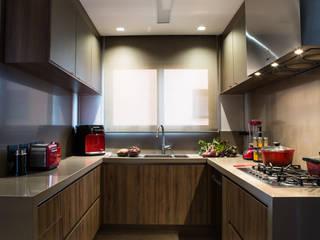 Cozinha - Depois:   por BATISTELLI ARQUITETURA & DESIGN