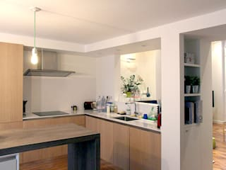 Olivier Stadler Architecte Modern kitchen Wood Wood effect