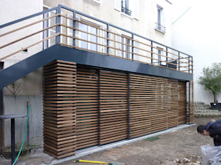 Olivier Stadler Architecte Modern terrace Wood Wood effect