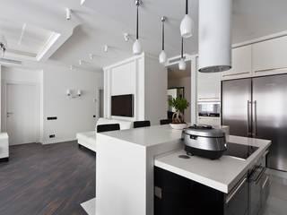 гостиная - кухня - столовая: Гостиная в . Автор – Творческая Мастерская Владимира Романова