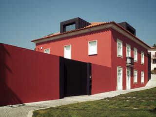 CASA JL por HUGO MONTE | ARQUITECTO Moderno