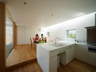 ダイニング: MimasisDesign [ミメイシスデザイン]が手掛けたキッチンです。