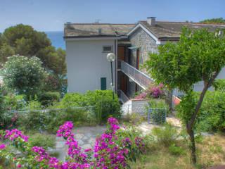 Mediterranean style houses by Emilio Rescigno - Fotografia Immobiliare Mediterranean