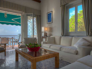 Livings de estilo mediterráneo de Emilio Rescigno - Fotografia Immobiliare Mediterráneo
