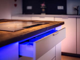 kitchen with bar edictum - UNIKAT MOBILIAR 廚房