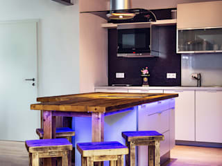 kitchen with bar edictum - UNIKAT MOBILIAR 廚房桌椅