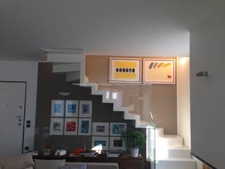 SCALA IN METALLO MONOBLOCCO: Ingresso & Corridoio in stile  di PROGETTO SCALE DI MONICA BESANA & C. SNC