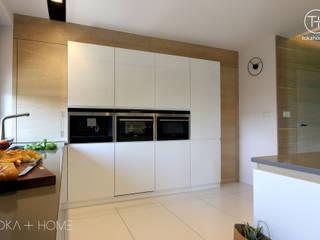 STYLOWY ANTRACYT: styl , w kategorii Kuchnia zaprojektowany przez TOKA + HOME
