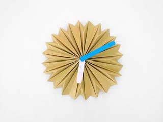 FLECTERE CLOCK de FLECTERE STUDIO Minimalista