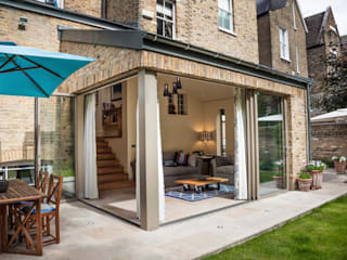 Clapham home: classic Houses by Warren Rosing Architects