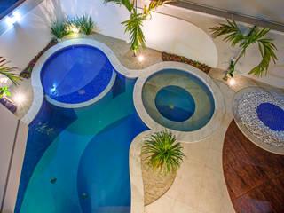 Piscinas de estilo moderno por Arquiteto Aquiles Nícolas Kílaris