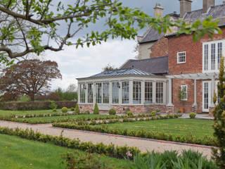 A Living Room Conservatory Konservatori Klasik Oleh Vale Garden Houses Klasik