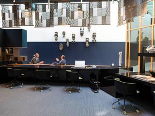 Tribes Eindhoven Koloniale Bürogebäude von Ceramiche Refin S.p.A Kolonial