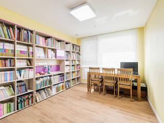 Study/office by 아르떼 인테리어 디자인, Modern