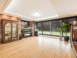 수원시 영통구 이의동 자연앤자이아파트  (48평형): 아르떼 인테리어 디자인의  거실,